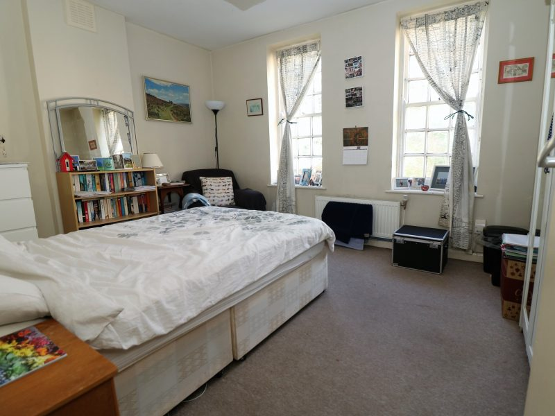 The Mansions in N19. Three double bedroom flat near Archway/ Crouch End side of Highgate