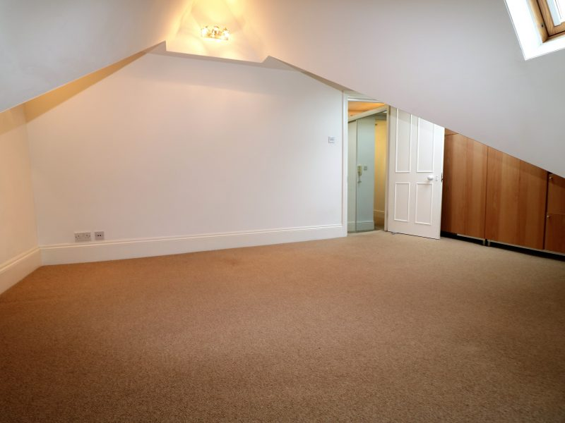 Stylish top floor modern two double bed flat with super features in Central Crouch End, N8.