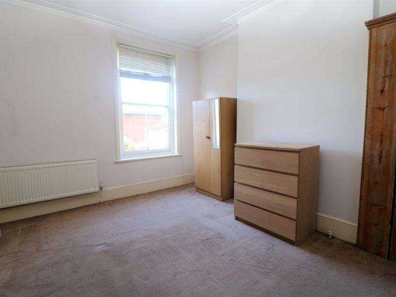Enormous split level 3 double bed Maisonette in Hornsey N8.