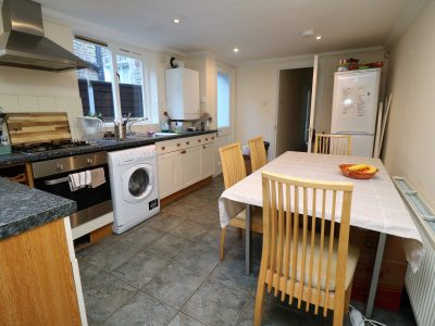 Ground floor one bedroom flat in Archway, N19. Spacious and well presented.