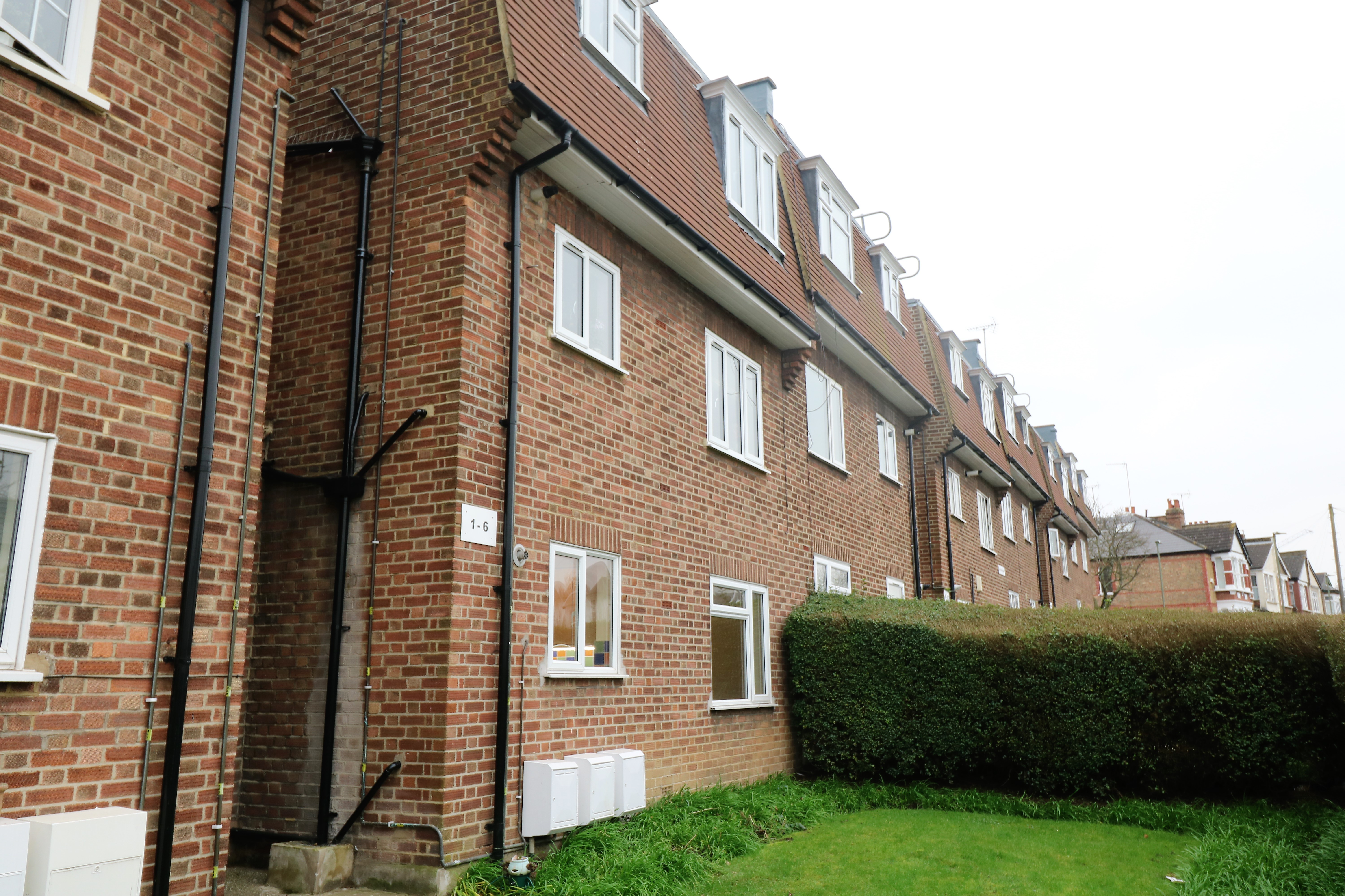 For sale: Muswell Hill, N10 refurbished ground floor two double bedroom flat. Parking, chain free SOF.