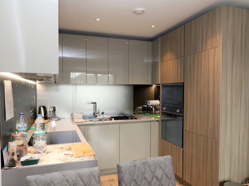 Stunning first floor two double bedroom flat with two stylish bathrooms, modern kitchen, concierge and gym in leafy, N8