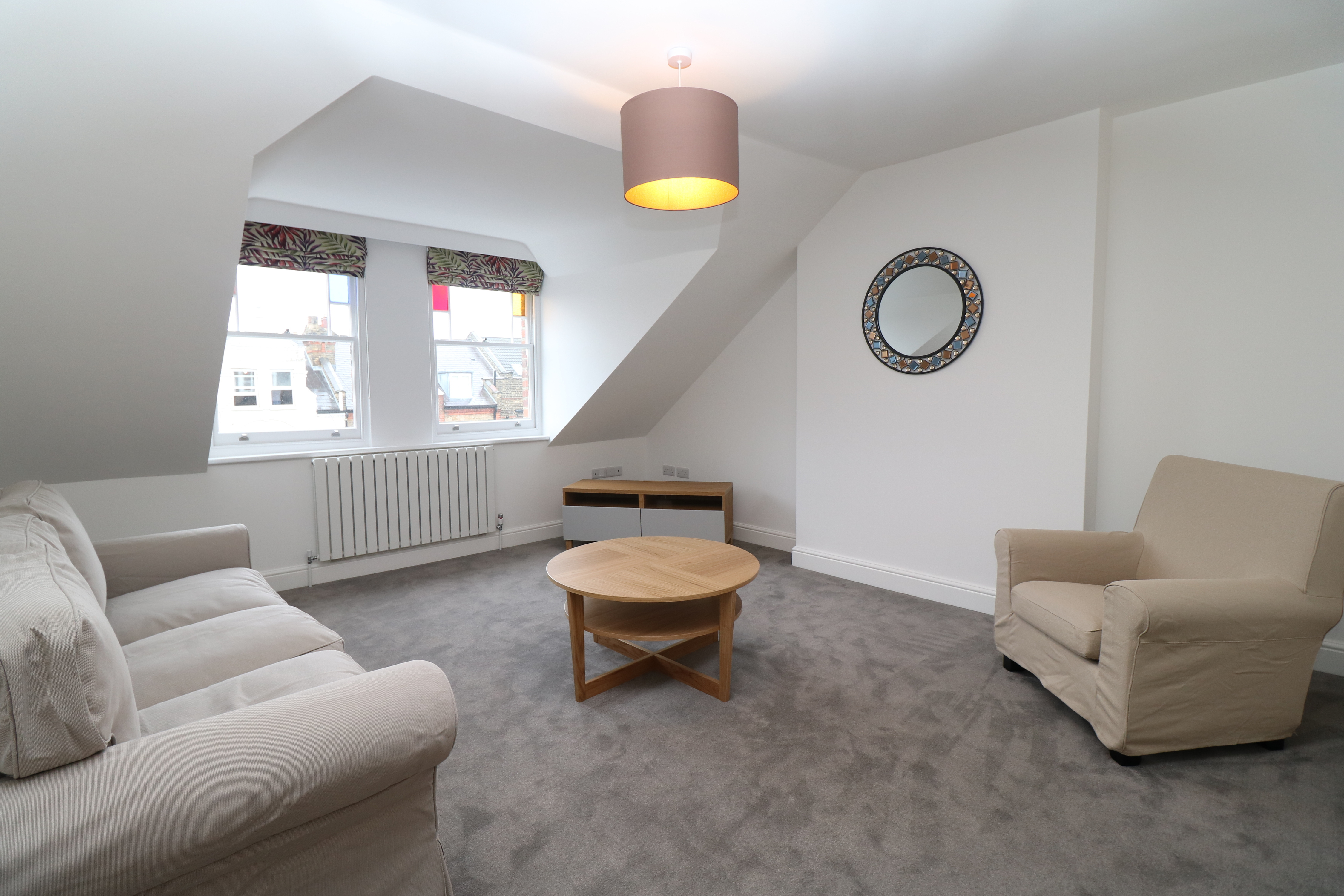Stunning top floor two bedroom flat within a quiet household in the heart of Crouch End, N8