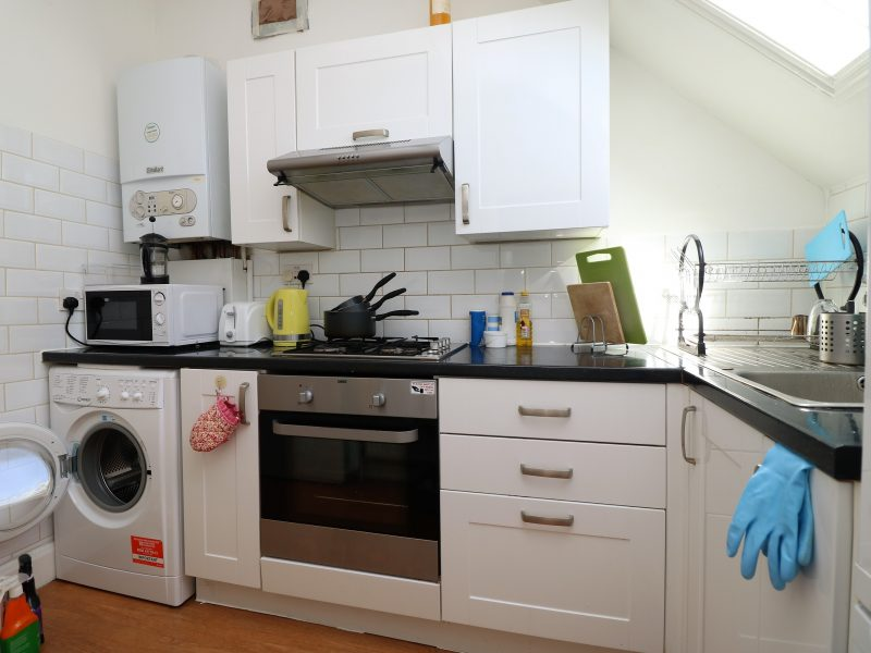 Top floor one bedroom in Crouch End, N8. Leafy streets, bars and restaurants with lots of open spaces.