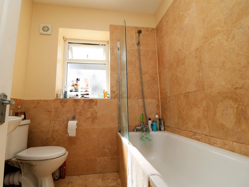 Split level 3 double bed, 3 bathroom garden conversion just off Liverpool Rd, Islington, N7.
