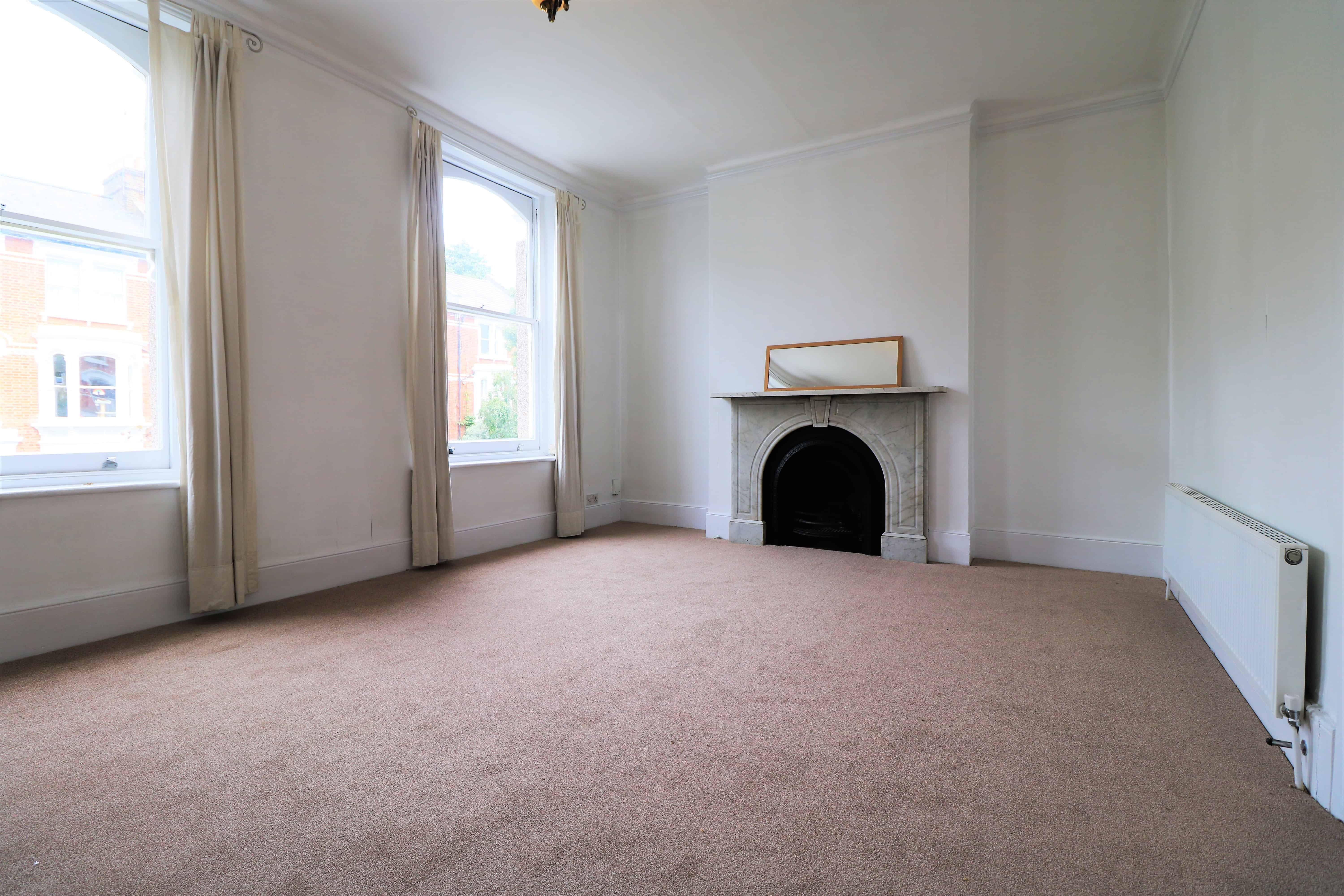 Repainted, first floor one double bedroom flat in Finsbury Park, N4. Quiet street close to station and park - Must be seen