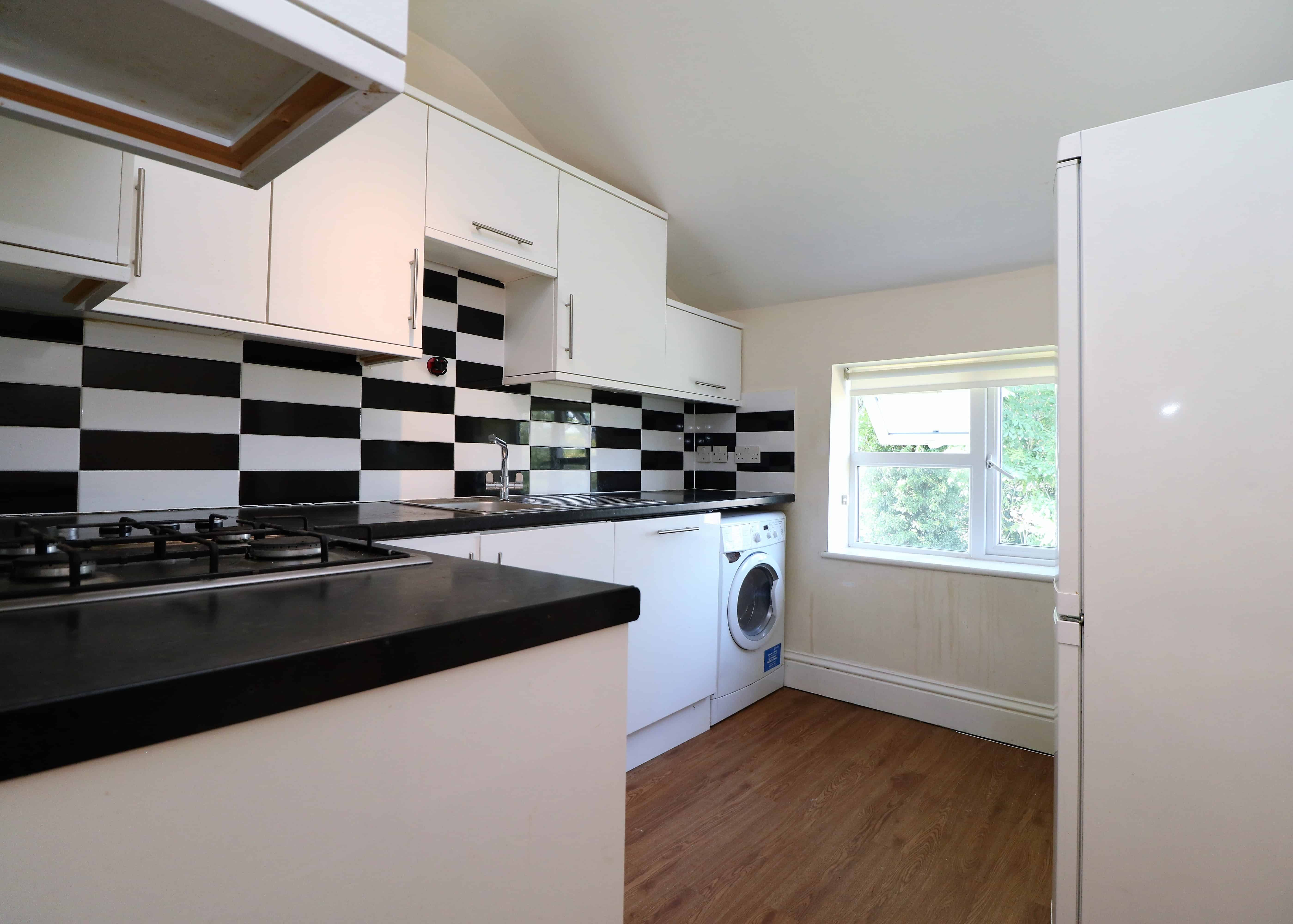 First floor one double bedroom flat in NW7 and much sought after location of Poets Corner of Mill Hill.